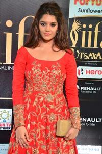 Ritika Singh IIFA 2017