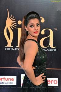 Varalaxmi Sarathkumar IIFA 2017