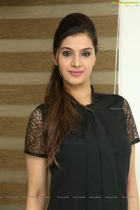 Inayah Khan