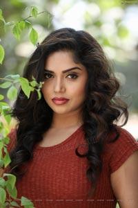 Telugu Actress Karunya Chowdary