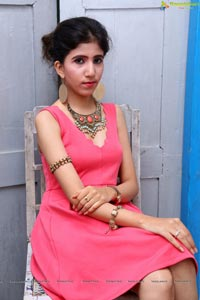 Zoya Khan Model Photos