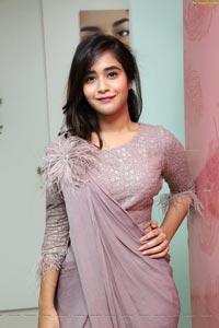 Deepthi Sunaina at DERMIQ Cosmetic Clinic Launch - HD Photos