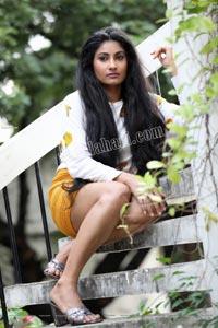 Saafi Kaur Exclusive HD Photos