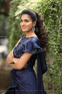 Siri Khanakan Exclusive HD Photos