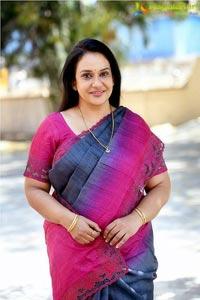 Maala Parvathi Photo Gallery