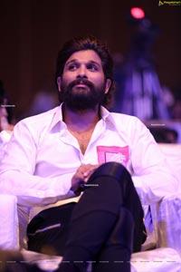 Allu Arjun at Chaavu Kaburu Challaga Pre-Release Event