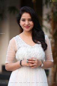 Anchor Vijayalakshmi in White Net Embellished Dress