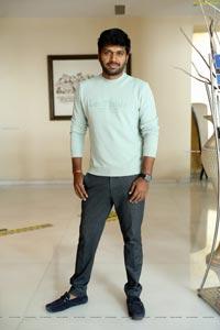 Anil Ravipudi at Gaali Sampath Movie Interview