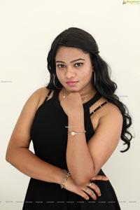 Anusha at Paisa Paramatma Press Meet