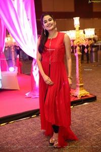 Jenny Honey at DIA 2021 Awards