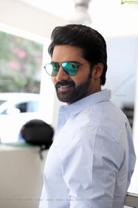 Naveen Chandra at Mosagallu Movie Interview