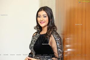 Pooja Jhaveri in Black Bodycon Mini Dress