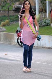 Lovely Heroine Saanvi HD Photos