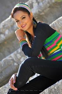 Beautiful Mumbai Girl Shanvi in Lovely Movie - HD Stills
