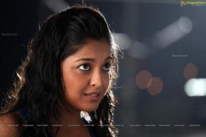 Tanushree Dutta Print Size Photos