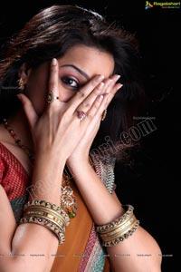 Trisha Look alike Beautiful Reshma Studio Shoot