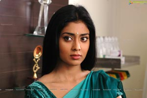 Expressions of Shriya Saran