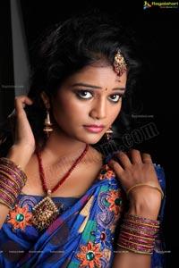 Model Maheshwari in Saree