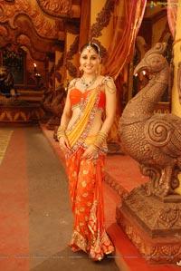 Pooja Chopra Hot in Ponnar Shankar