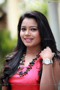 Telugu Heroine Naveena Jackson