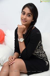 Bollywood Actres Regina Cassandra