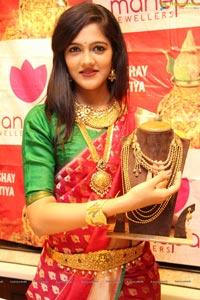 Manepally Jewellers Model Simran Choudhary