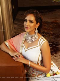 Lakshmi Manchu Hot