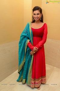 Lisa Ray Red Dress