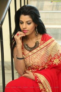 Manisha Pillai At Akrithi Exhibition Launch