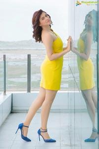 Actress Mannara Chopra