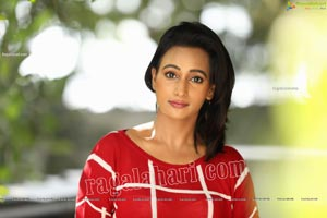 Nisheetha in Red Checks T-Shirt and Jeans