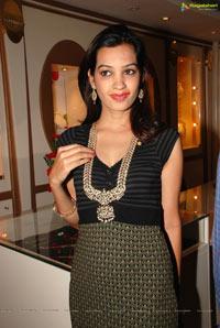 Diksha at Kirtilals Take 5