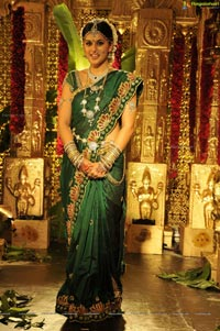 Taapsee in Traditional Indian Marriage Saree