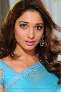 Tamanna Hot in Saree Images