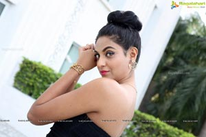 Sharon Fernandes HQ Photos