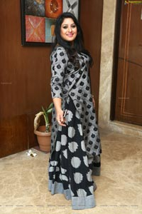 Actress Shanoor Sana
