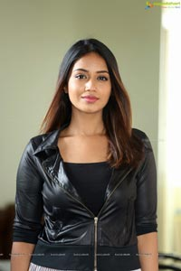 Heroine Nivetha Pethuraj