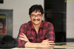 Devi Prasad at Tholu Bommalata Interview