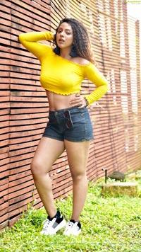 Deviyani Sharma Latest Pics