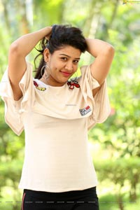 Durga Gade in Kalakarudu Movie