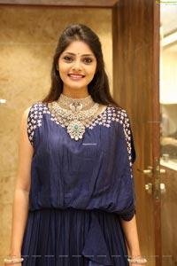 Rahasya Gorak With jewellery
