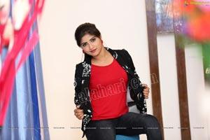 Shabeena Shaik in Atharintiki Daaredi Serial