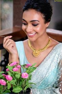 Amrin Qureshi Latest Photoshoot Images