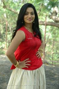 Rekha Nirosha at Bhaari Tharaaganam Movie Opening