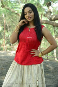 Rekha Nirosha at Bhaari Tharaaganam Movie Opening