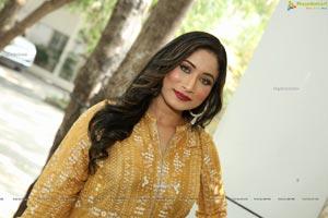 Sufi Khan at Trendz Vivah Collection Exhibition