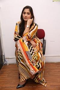 Tazaienath Gulraze at Sutraa Grand Curtain Raiser