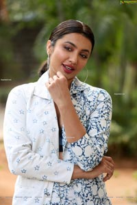 Tejaswi Madivada at Commitment Movie Teaser Launch