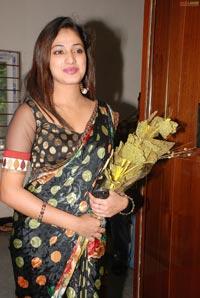Hari Priya at  Banjara Sanskriti Diwali 2011 Designer Collection Launch