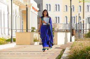Deeksha Seth in Vettai Mannan